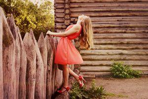 der versuch wunderbare produkte zu finden die für sie kreiert wurden  kleider mit kurzen