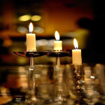 Метални свещници най-перфектната декорация за дома